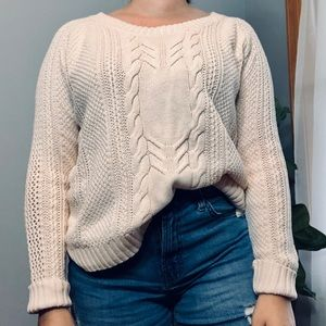 [3/$16] GAP Vintage Ivory Cable Knit Sweater